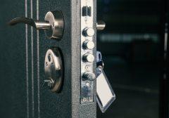 Come aprire una porta blindata rimasta bloccata
