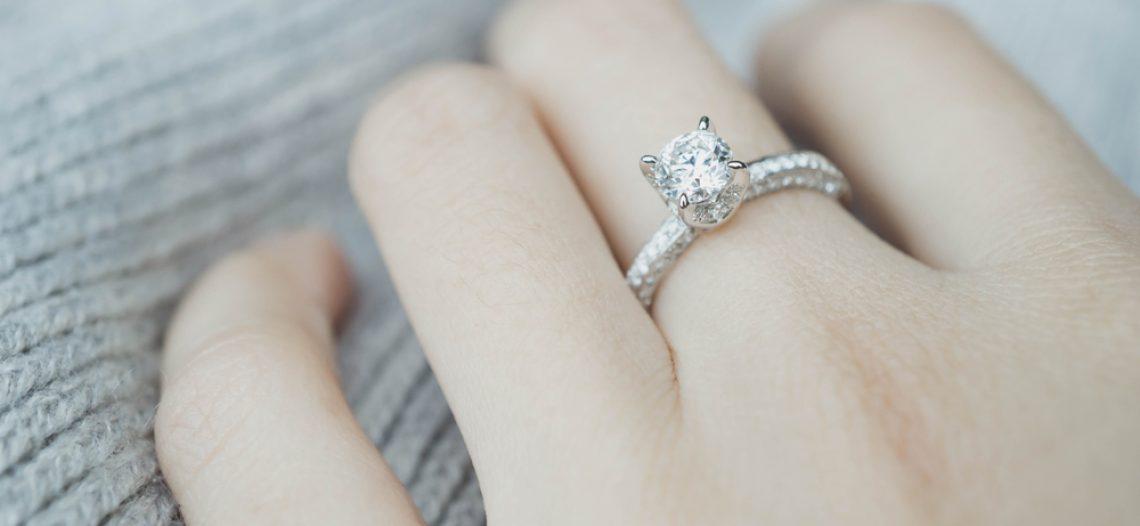 Acquistare anello con diamanti, quale scegliere?