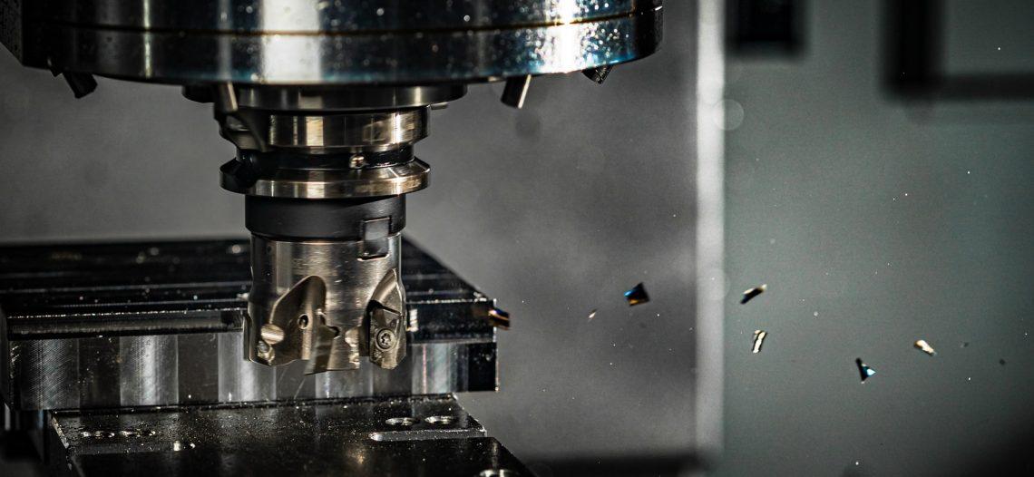 Cos'è una macchina CNC e come può migliorare la tua officina meccanica